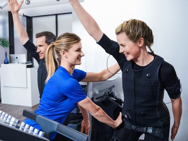 EMS TRAINING AT BODY TIME - WEIGHT LOSS STUDIO WITH PERSONAL TRAINER